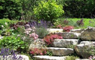 Tipps von Remax Living zum Steingarten